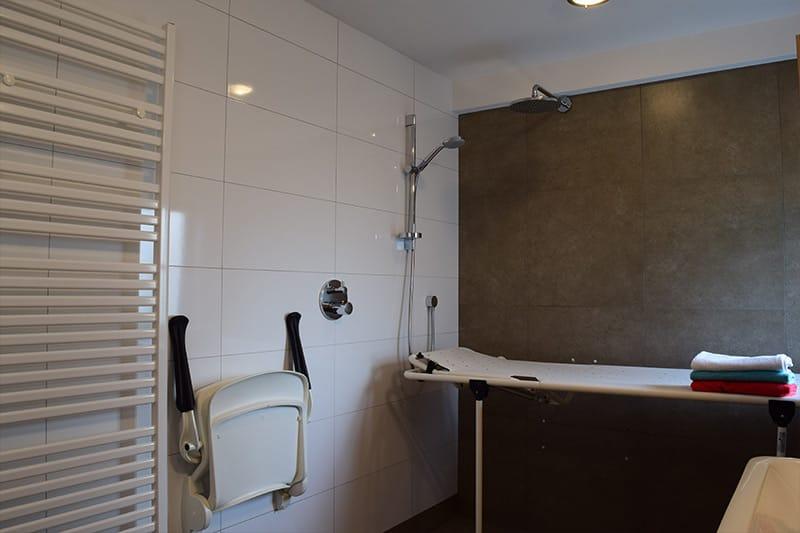 Badkamer voor minder validen - De Maasgaarde