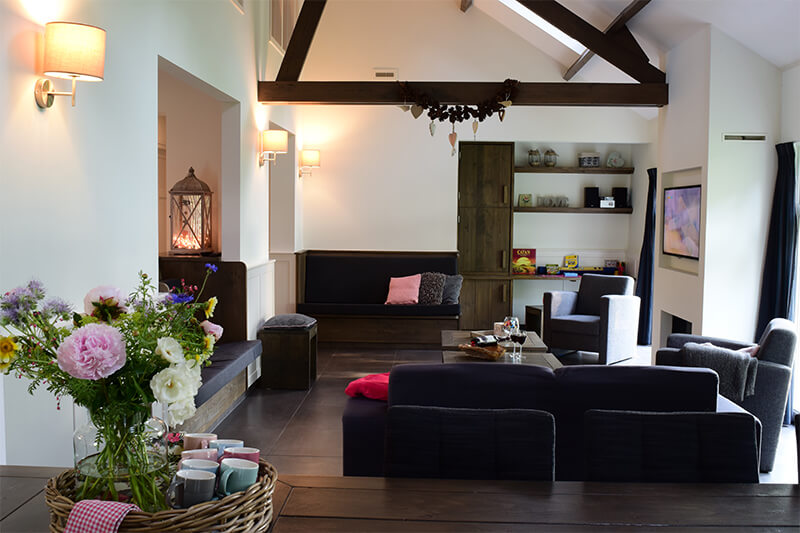 Luxe woonkamer | Familieverblijf De Maasgaarde